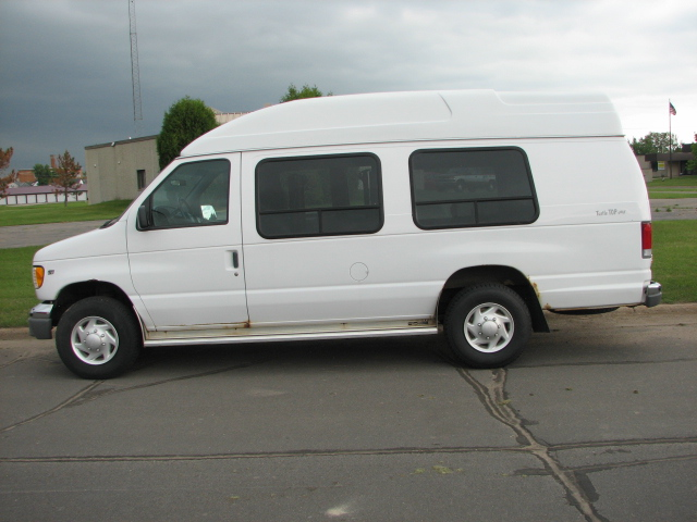 1999 Ford Econoline E-350 Super Duty XLT Wheelchai